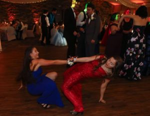 Students dancing at 2019 Catasauqua prom at Woodstone Country club in Danielsville, Pa Lehigh Valley Appalachian Entertainment Dj's