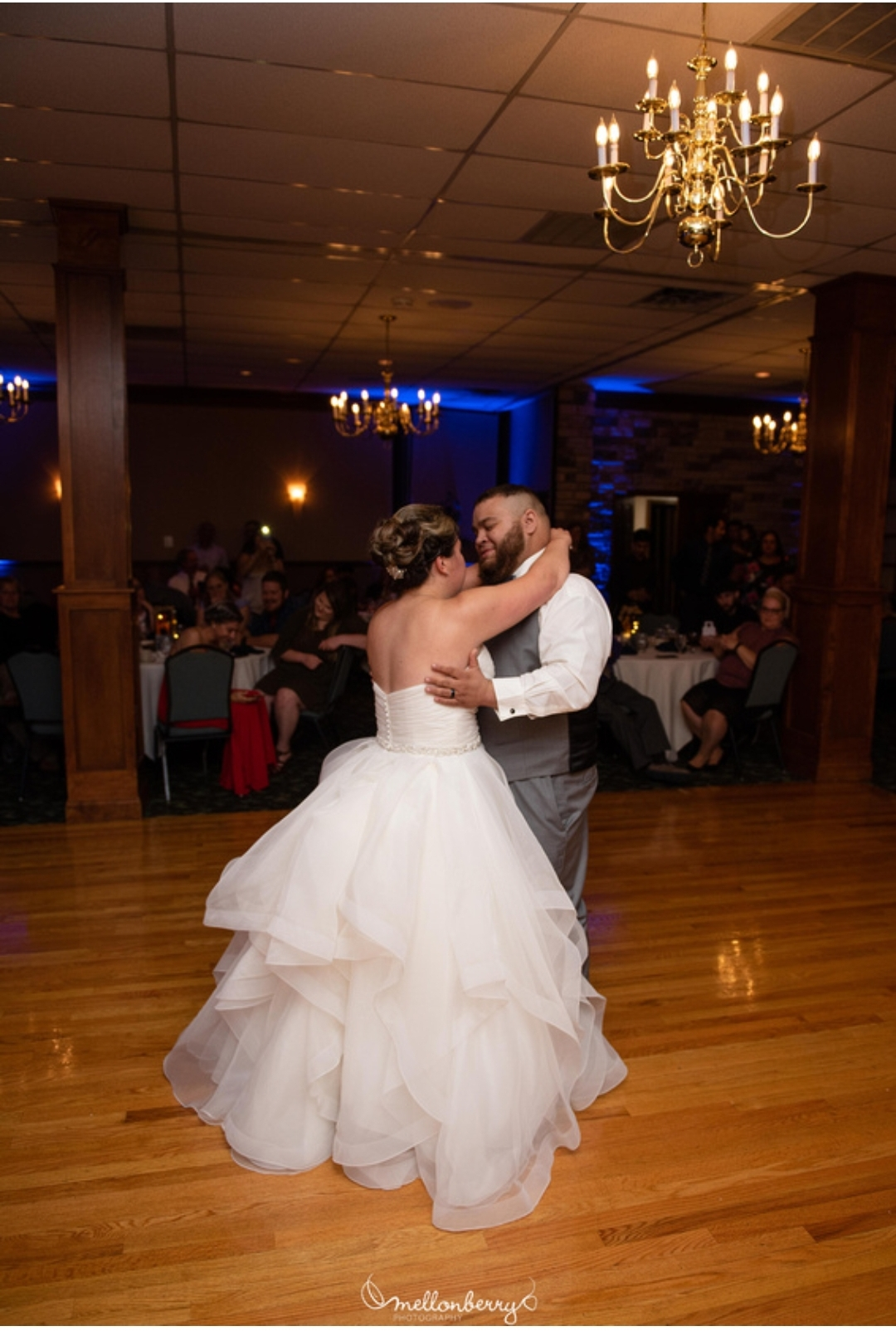 Bride & Groom First dance at Barnhouse Village in Bath, Pa
